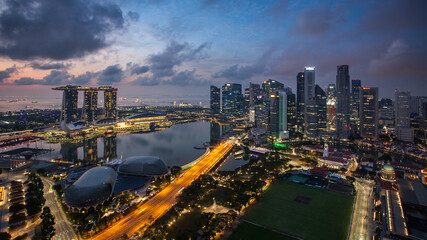 Obraz Singapore skyline at a sunset - fototapety do salonu