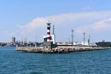 latarnia morska, wejscie do portu, morze, brzeg,