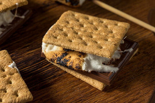 Sweet Marshmallow and Chocolate Smores
