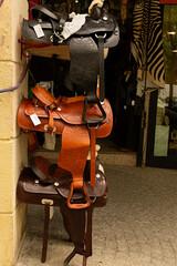 Fototapeta Venta de sillas de montar. obraz