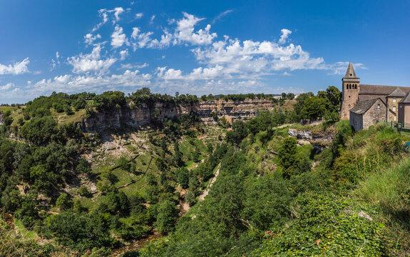 Bozouls (Aveyron, France) - Vue panoramique du canyon