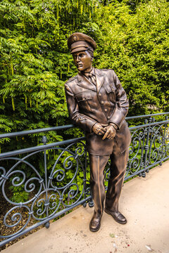 Elvis Presley bronze statue in a park in Bad Nauheim