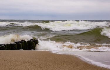 Morze fale plaża
