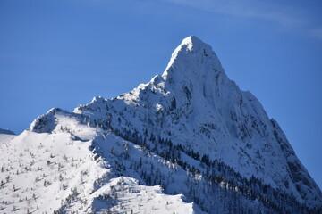 Fototapeta zima, Giewont, Tatry Zachodnie, Tatrzański Park Narodowy, góry,  śnieg, zagrożenie lawinowe,  obraz