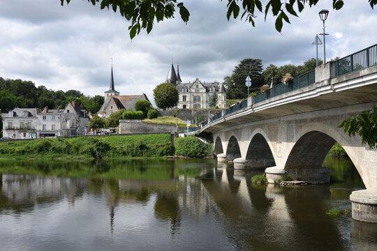 Véretz castel and the river le Cher. Département d'Indre et Loire, France