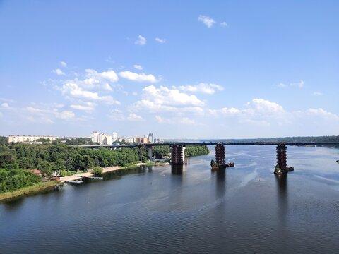 bridge over the river thames