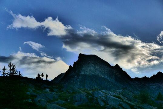 silhouettes sur le massif du Mercantour