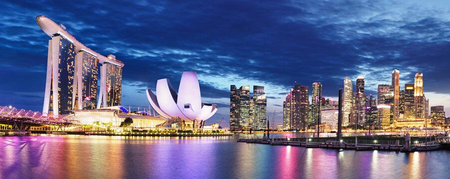 Singapore skyline at night - Marina bay