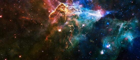 melkwegachtergrond met nevel, stardust en heldere stralende sterren. Elementen van deze afbeelding geleverd door NASA.