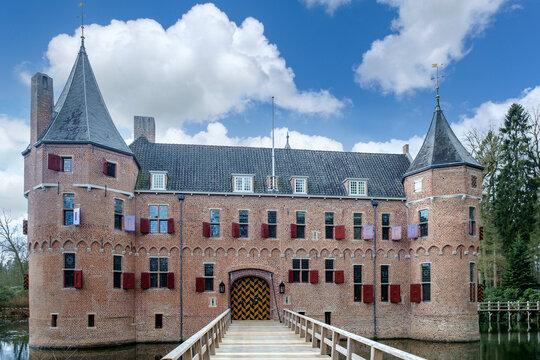 Slot Het Oude Loo is a 15th century hunting lodge in Apeldoorn, Gelderland province, The Netherlands