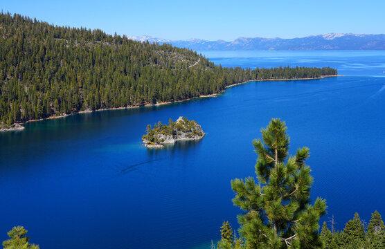 Landscape view of Fannette Island in Emerald Bay, South Lake Tahoe, California