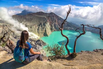Crater volcano Ijen, Java Fototapete