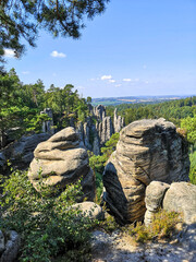 Obraz Vyhlidka miru view over the rocks and horizon of Prachovske skaly - Cesky raj, Czech Republic  - fototapety do salonu