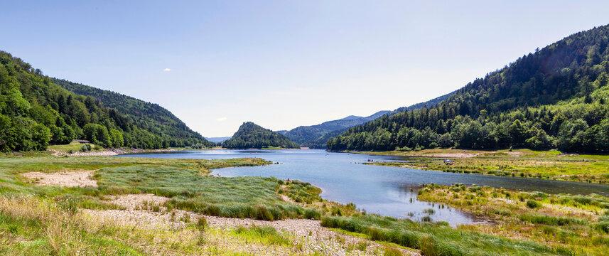 """Panorama am See """"Lac de Kurt-Wildenstein"""", Elsass, Frankreich"""