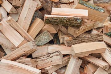 Gehakt eikenhout brandhout
