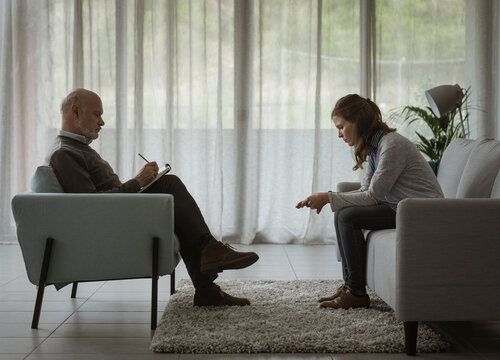 Therapist and patient during a psychotherapy session