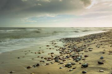 Wschód słońca nad morzem bałtyckim w miejscowości Wicie