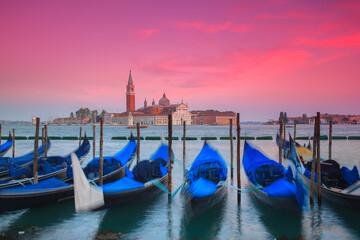 Fototapeta Wenecja, łodzie, zachód słońca obraz