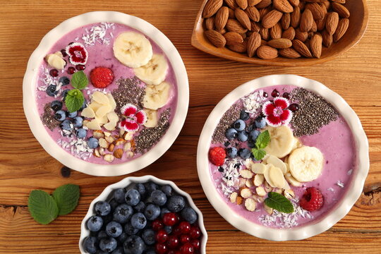 Smoothie bowl with blueberries.