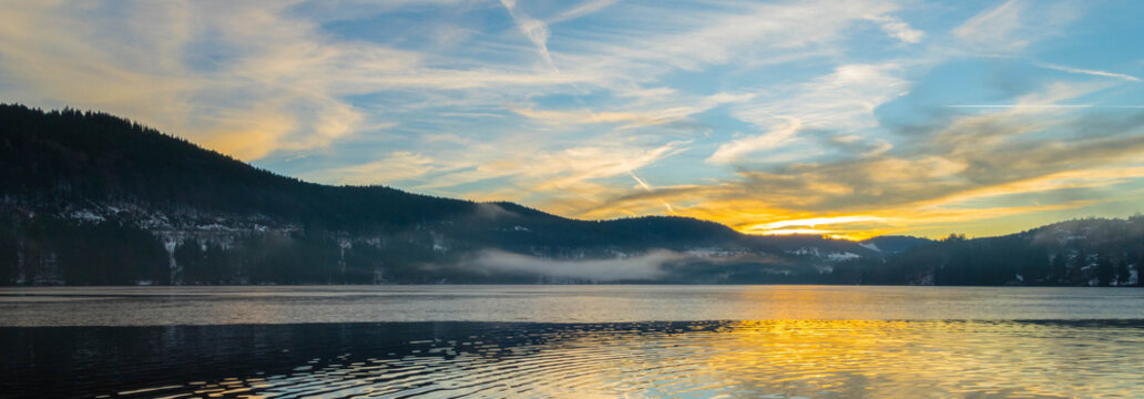 Panorama Winterabend Titisee Schwarzwald