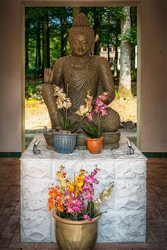 Yangtorp Sanctuary Sitting Buddha Statue