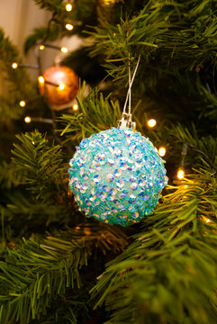 christmas decor, toys, bows, glass balls, bokeh, background, toys, merry christmas, happy new year. 2022. Lights, sparkles and glare, snow.