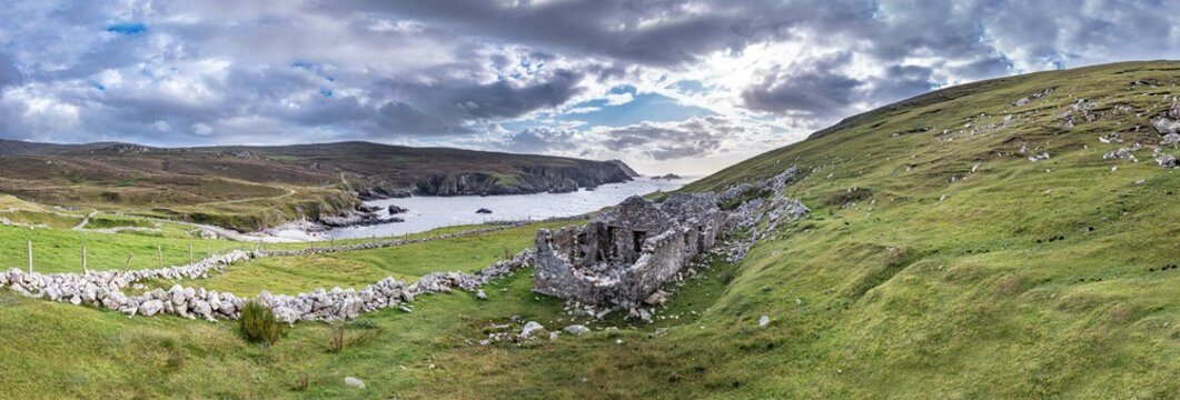 Abandoned village at An Port between Ardara and Glencolumbkille in County Donegal - Ireland.