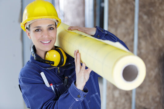 woman builder with isolation rolls