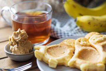 Obraz Kids breakfast with pancakes. - fototapety do salonu