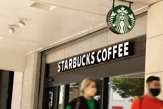 Starbucks coffee sign. スターバックスコーヒー