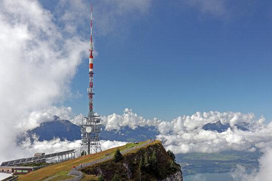 Sendeturm vom Niederhorn, Berner Alpen, Schweiz