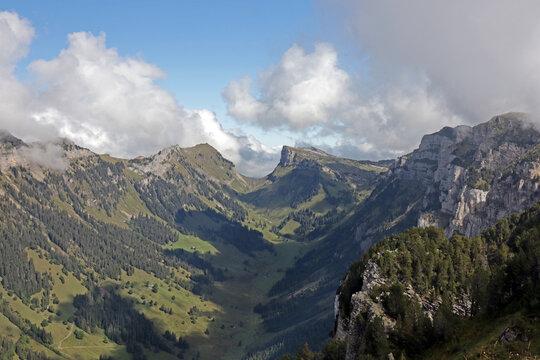 Aussicht vom Niederhorn, Justistal, Berner Alpen, Schweiz