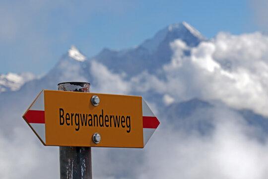 Bergwanderweg, Alpen, Schweiz
