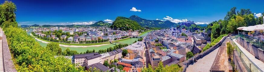 Fototapeta Blick vom Mönchberg auf die Altstadt von Salzburg, Österreich obraz
