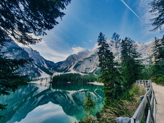 Obraz Lago di Braies - Dolomitas - fototapety do salonu