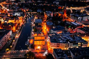 Ulica Mostowa w Bydgoszczy nocą