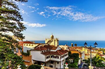 Obraz La Orotava - Tenerife, churches, monasteries and city views - fototapety do salonu