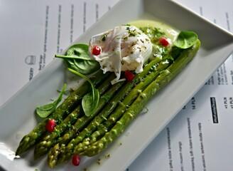 Fototapeta szparagi zielony śniadanie obiad gotowanie restauracja jedzenia potrawy obraz