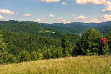 Góry Beskidu małego widziane z miejscowości Kocierz Rychwałdzka