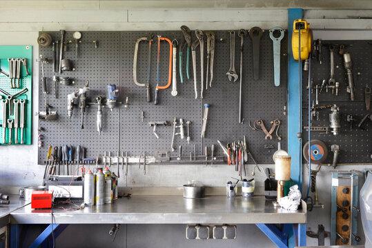 Garage workshop toolboard