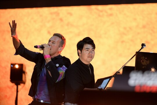 Chris Martin, Lang Lang on stage for Global Citizen Concert 2021 NYC