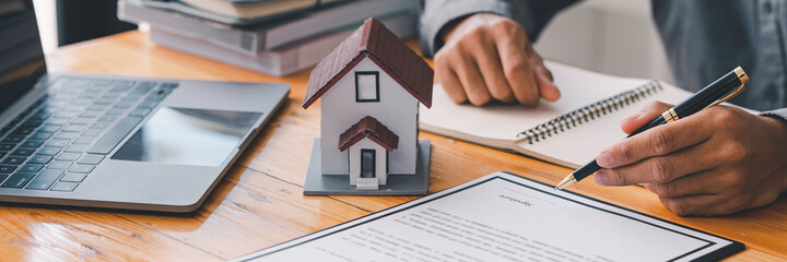Fototapeta Rental agreement, Sale agent deal to agreement successful home loan contract with customer and sign agreement contract Insurance home concept. obraz