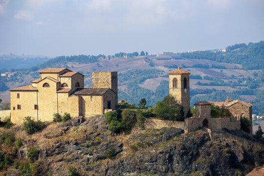 pompeano castle ophiolites volcanic rocks with medieval settlements