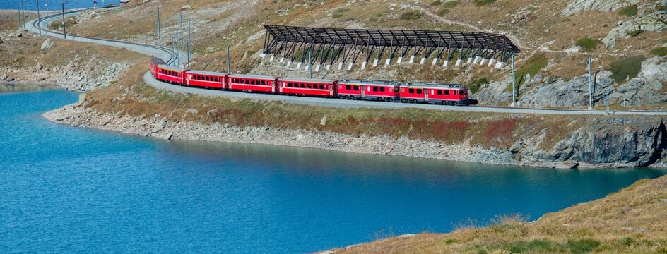 Bernina red train