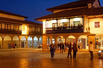 Fototapeta Miasto Cuzco, dawna stolica imperium Inków, w letnią noc. obraz