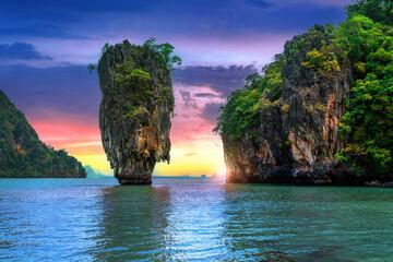 Fototapeta  James Bond island at sunset in Phang nga, Thailand. obraz