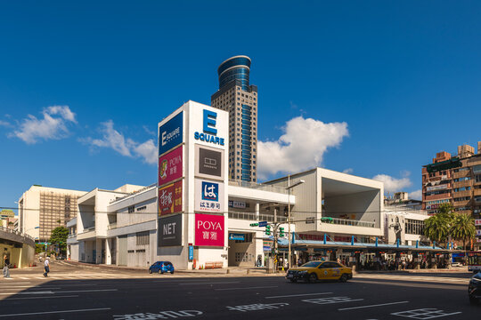 October 4, 2021: Keelung E Square, a shopping center at east coast of Keelung harbor in Taiwan originally opened in 2003 with the name Heping Plaza. It was rebuilt and reopened on February 14, 2018.