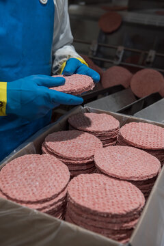 Preparation of hamburgers for fast food