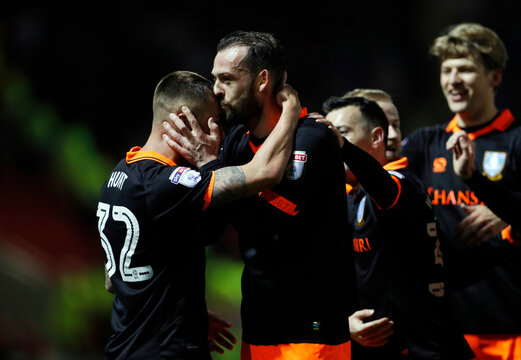 Sheffield Wednesdays' Steven Fletcher celebrates scoring their second goal