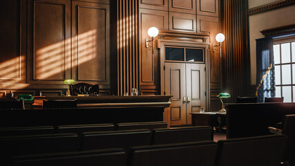 Obraz Empty American Style Courtroom. Supreme Court of Law and Justice Trial Stand. Courthouse Before Civil Case Hearing Starts. Grand Wooden Interior with Judge's Bench, Defendant's and Plaintiff's Tables. - fototapety do salonu